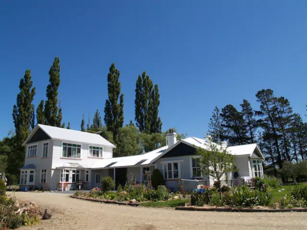 Solandra Lodge House