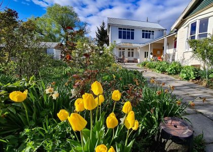 solandra lodge garden
